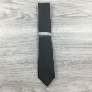 Van Heusen Solid Satin Black Tie